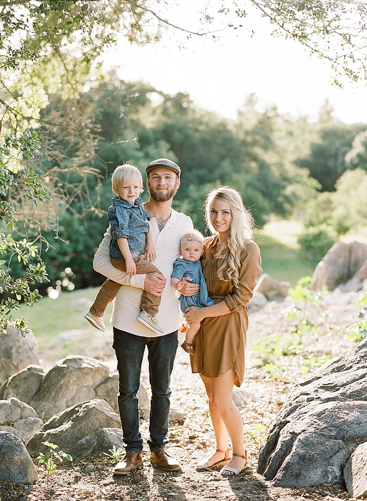 Casual and warm family session on film southern for Family of 4 picture ideas